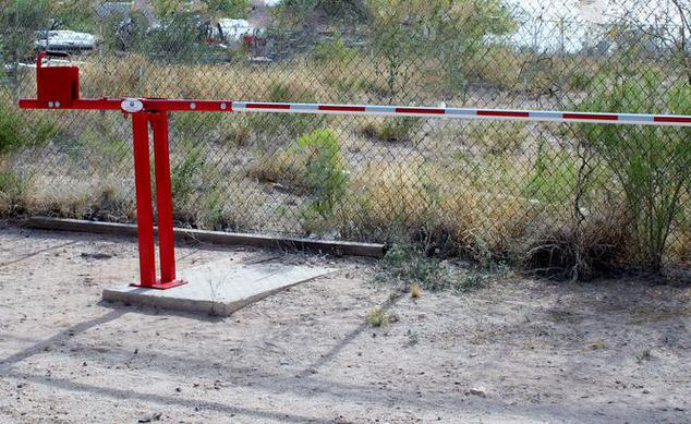 Manually Operated Rising Barrier Gate Arm
